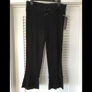 NWT Betsey Johnson Performance Cropped Yoga Pants